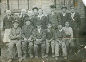 Стреганская школа 7 класс, Алексеев Михаил (верхний ряд, 3справо) и его сестра(верхний ряд, 4 справо)-учительница биологии